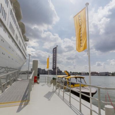 Boarding Platform Watertaxi in 360˚